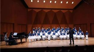 视频:龙港童声合唱团在香港演唱的《卖报歌》